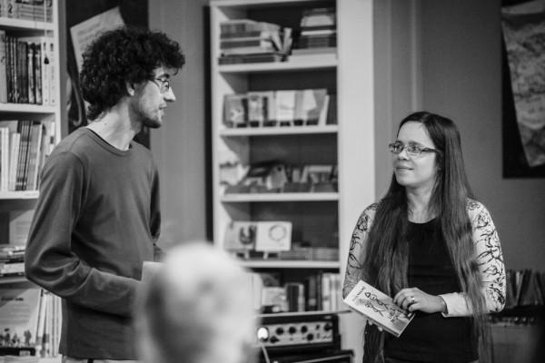 Grāmatas autors Vilis Kasims sarunājas ar grāmatas redaktori Ievu Melgalvi